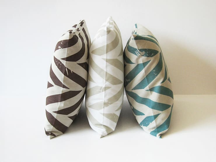 ZIGZAG printed decorative pillows  by Lovely Home Idea:  Living room by LOVELY HOME IDEA
