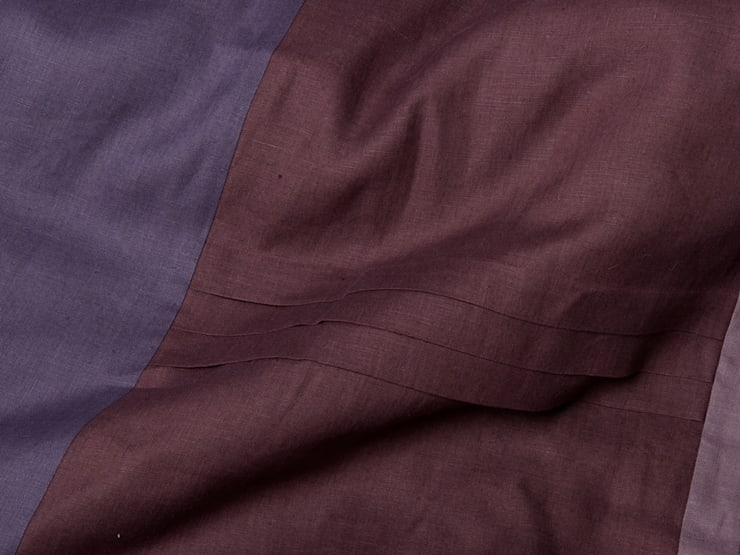 Purple Provence Dream linen bedding by lovely Home Idea:  Bedroom by LOVELY HOME IDEA