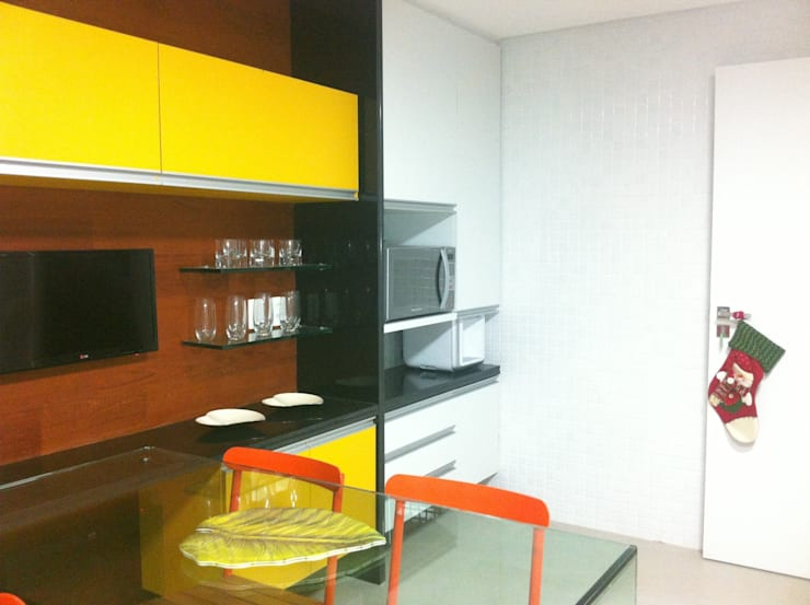 Huishouden door Sônia Beltrão Arquitetura