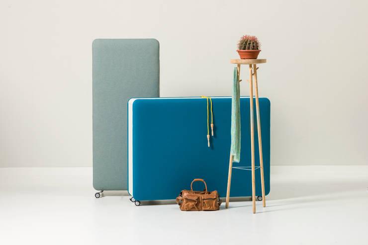 Pillow Acoustic Furniture for Cascando 2014:  Studeerkamer/kantoor door SMOOL by Robert Bronwasser