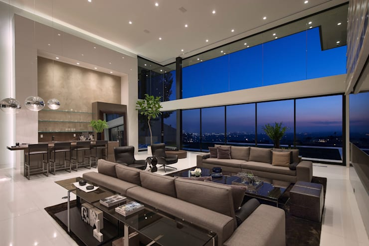 SUNSET STRIP RESIDENCE :  Living room by McClean Design