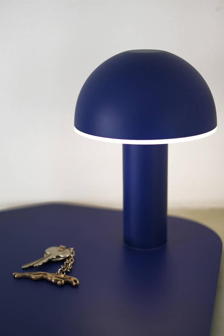 Lampe Vide poche Cul de Poule: Maison de style  par Maïeutique