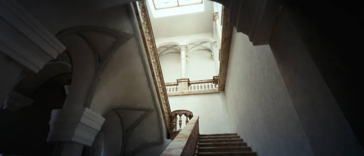 MUSEO E RESIDENZA PRIVATA: Case in stile  di Studio*Rauco_Architettura Ingegneria