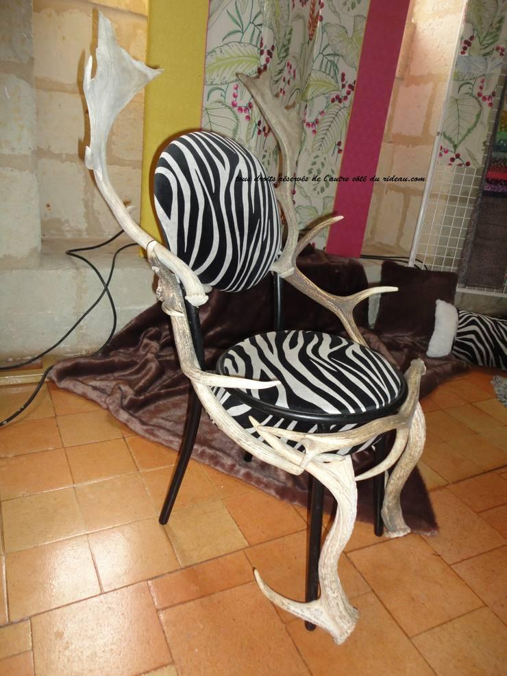 création de chaise: Maison de style  par de l'autre côté du rideau