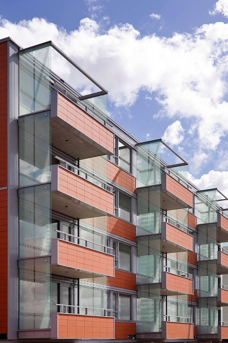 Seniorenwoningen Leidscheveen de Dijken 10:  Huizen door HVE Architecten bv
