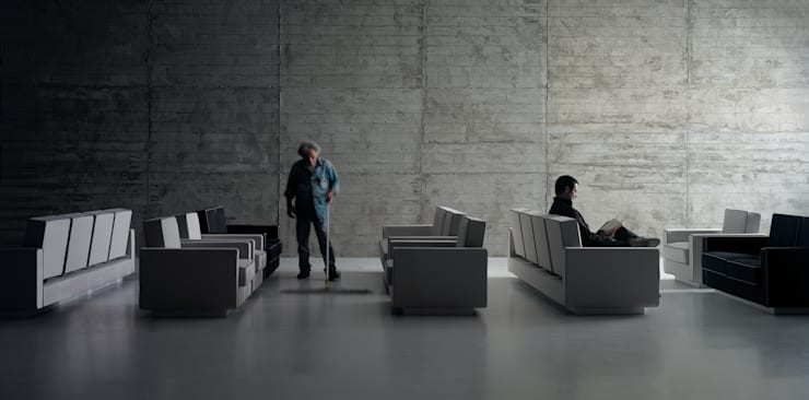 SAARINEN SEATING SYSTEM: Soggiorno in stile  di Matrix International srl,