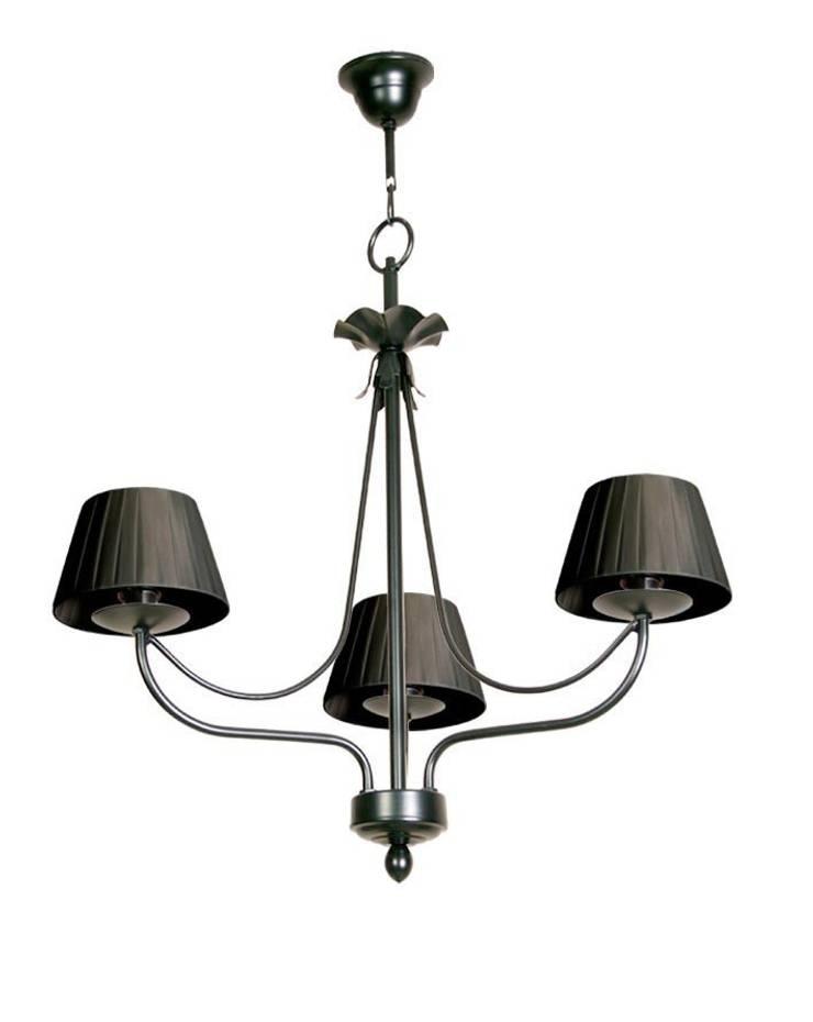 Lámpara clásica 3 luces Giselle: Dormitorios de estilo  de Ámbar Muebles