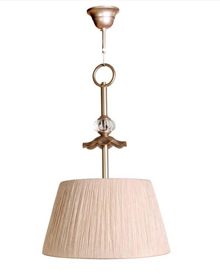Lámpara clásica de techo Kerry: Dormitorios de estilo  de Ámbar Muebles
