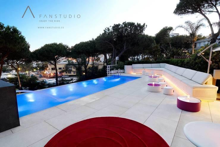 CLUB PRIVADO BB : Salones de estilo  de FANSTUDIO__Architecture & Design