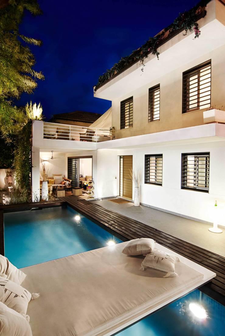 CASA DALANZA: Casas de estilo  de FANSTUDIO__Architecture & Design