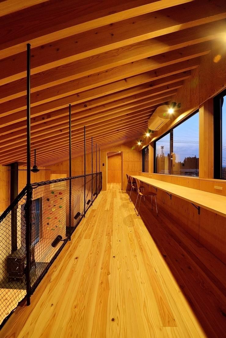 H-HOUSE: 株式会社長野聖二建築設計處が手掛けた書斎です。