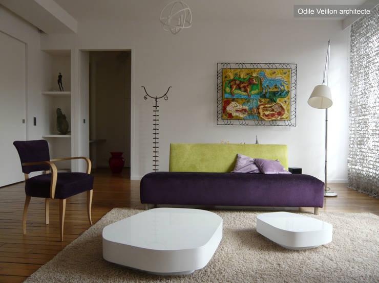 LOFT R - Aménagement d'un plateau à PARIS XI: Salon de style  par Agence d'architecture Odile Veillon / ARCHI-V.O