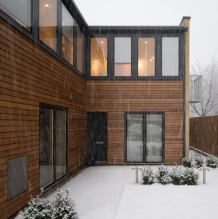 Triple glazing:  Houses by Absolute Project Management