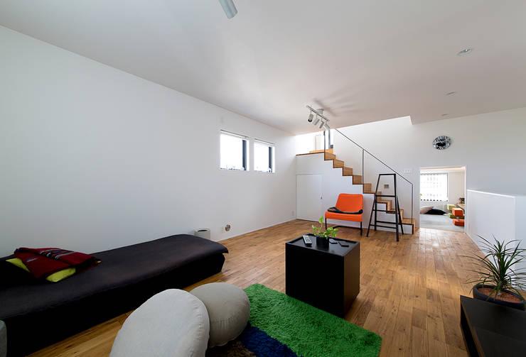 秘密基地のある家: ラブデザインホームズ/LOVE DESIGN HOMESが手掛けた子供部屋です。,