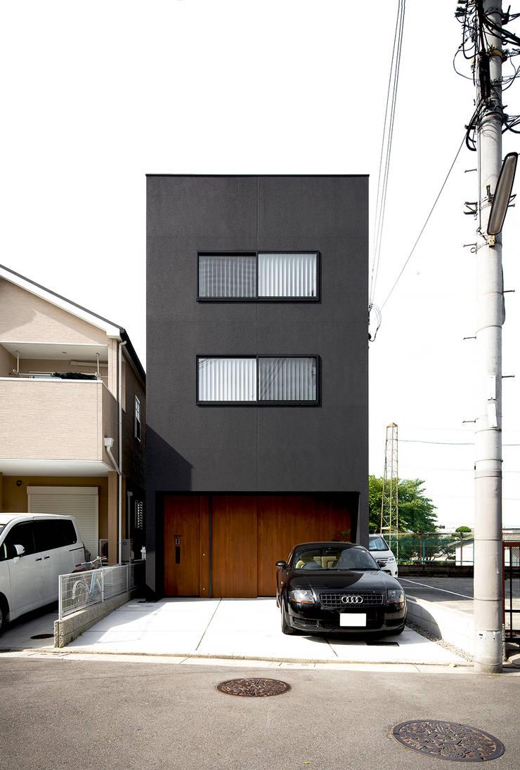 秘密基地のある家: ラブデザインホームズ/LOVE DESIGN HOMESが手掛けた一戸建て住宅です。,
