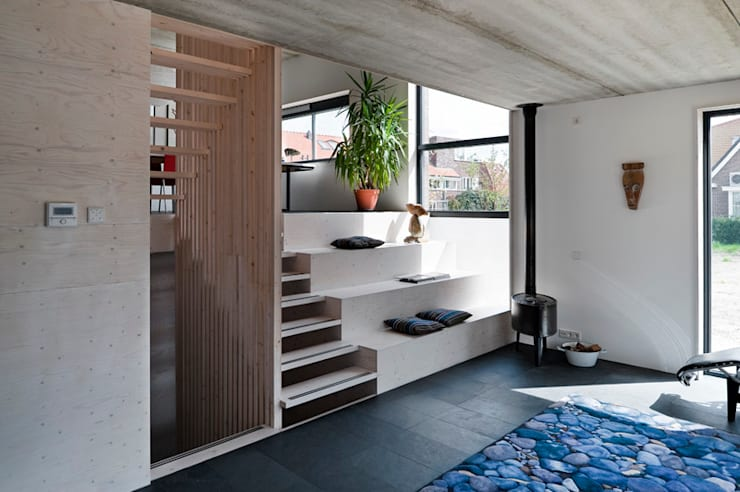 Living room by groenesteijn  architecten