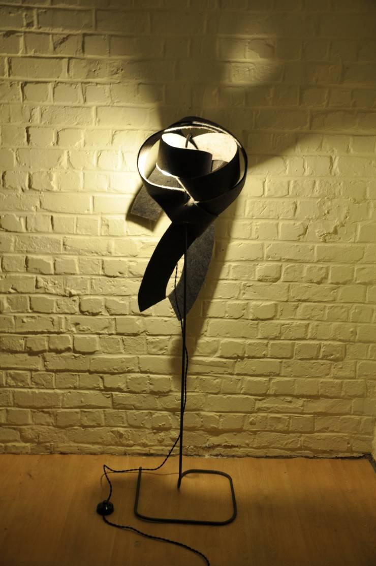 Lampe Filz:  de style  par Olivier Milis