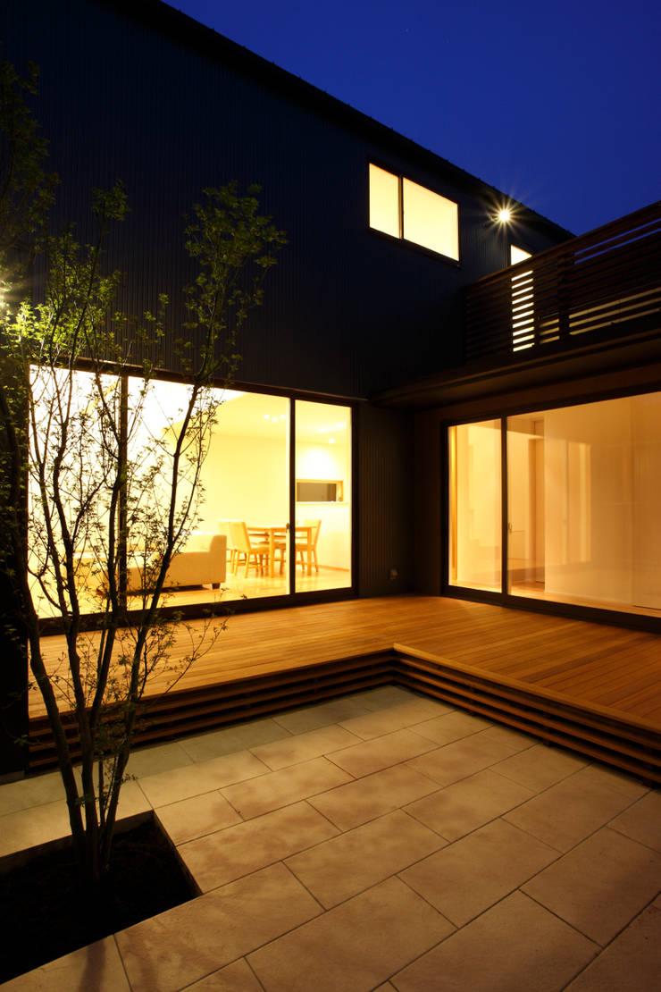 """""""だんだん""""の家: UGU Architectsが手掛けたです。"""