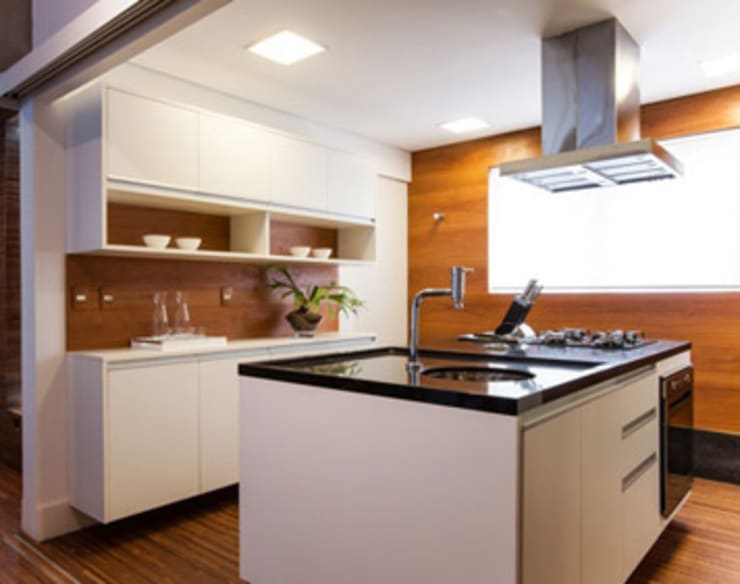 Amaury – São Paulo: Cozinhas  por TICIANA BADRA ARQUITETURA E INTERIORES