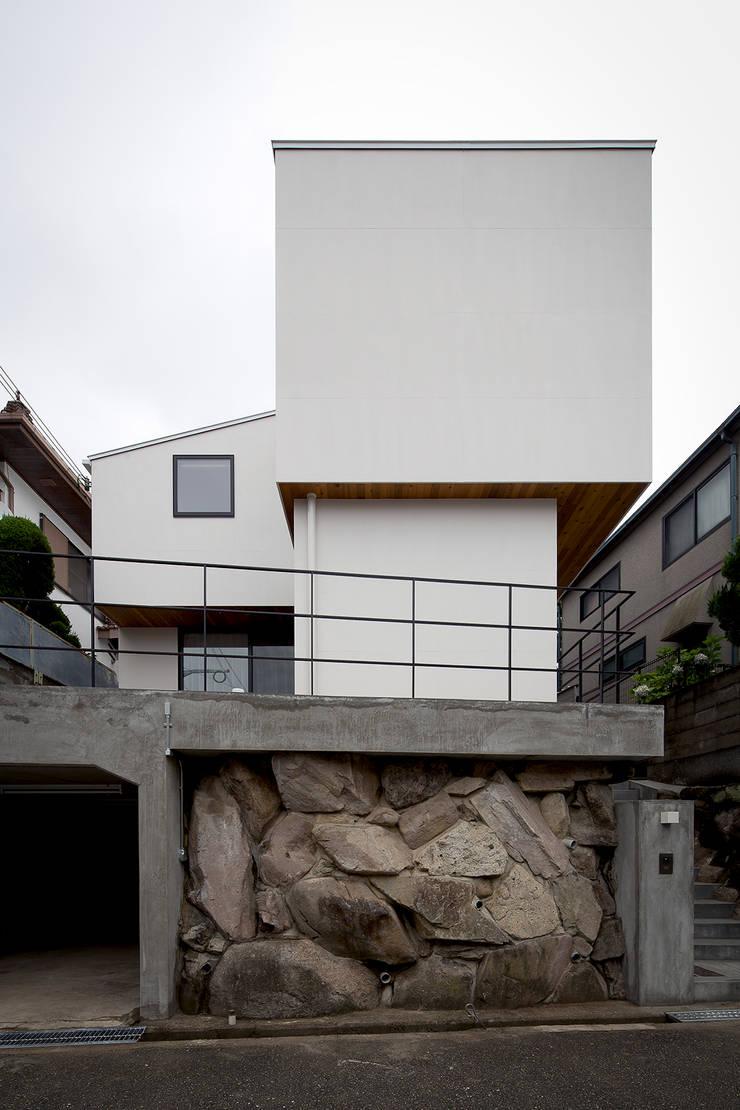 ノスタルジックグリーンハウス: ラブデザインホームズ/LOVE DESIGN HOMESが手掛けた一戸建て住宅です。