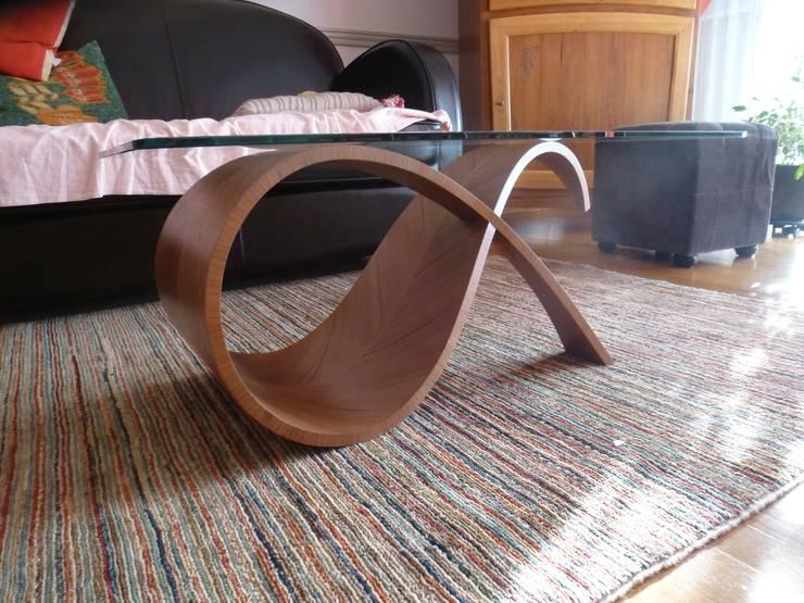 Table basse: Salon de style  par Ebénisterie d'Art P. AVRILLA