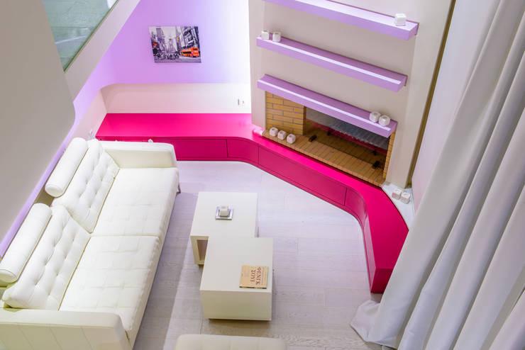 Barbie's House!: Case in stile  di Minelli   Architetto,