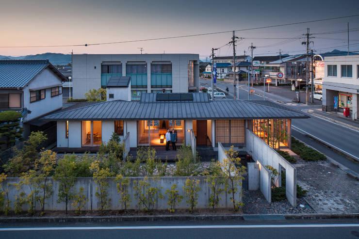 外観全景: 川添純一郎建築設計事務所が手掛けた家です。