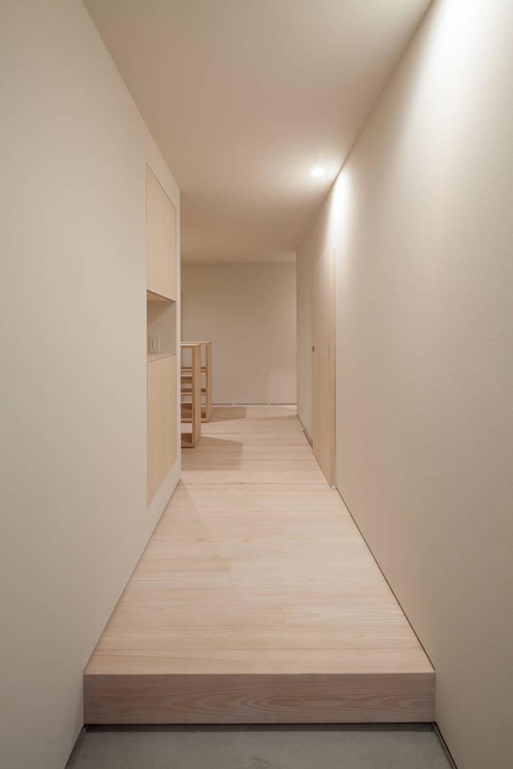 玄関: 川添純一郎建築設計事務所が手掛けた家です。