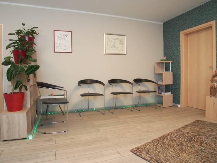 Psychotherapeutische Praxis in Zornheim:  Geschäftsräume & Stores von Einrichtungsideen,