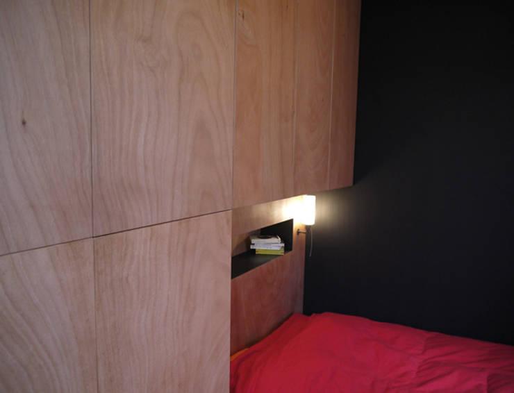 Chambre cabine: Chambre de style  par Christophe Lucien