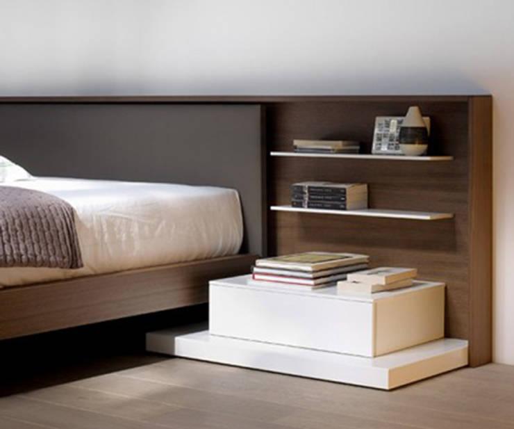 Esna: Dormitorios de estilo  de Enrique Martí Asociados s.l.