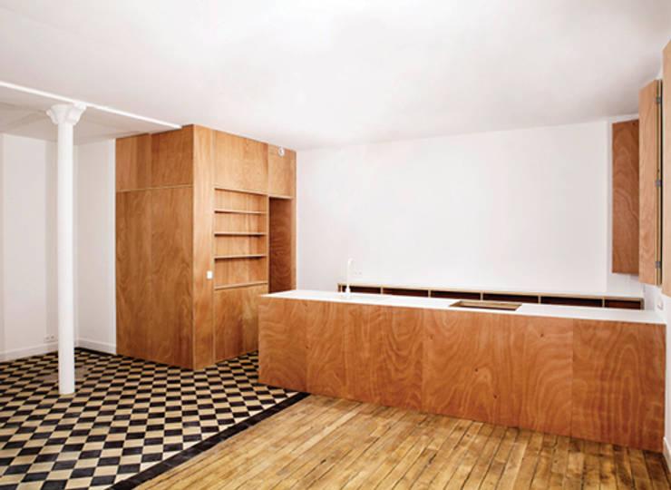 CLENI – Appartement et extension sur cour:  de style  par félix mulle architecte dplg