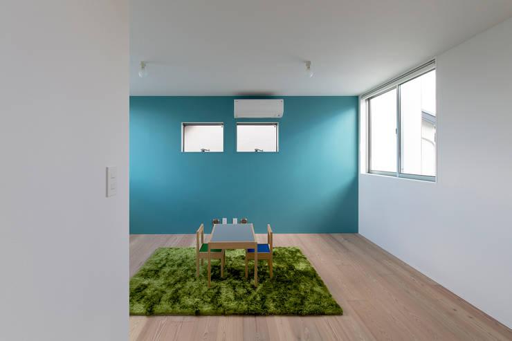 都市型アウトドアハウス: ラブデザインホームズ/LOVE DESIGN HOMESが手掛けた子供部屋です。