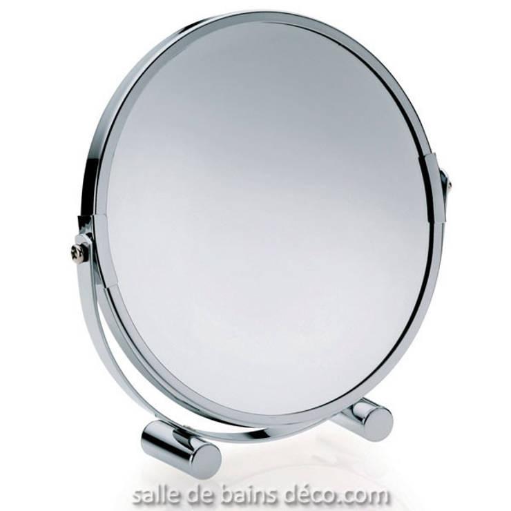 Miroir grossissant Gina de la marque Kela: Salle de bain de style  par Salle de Bains Déco.com