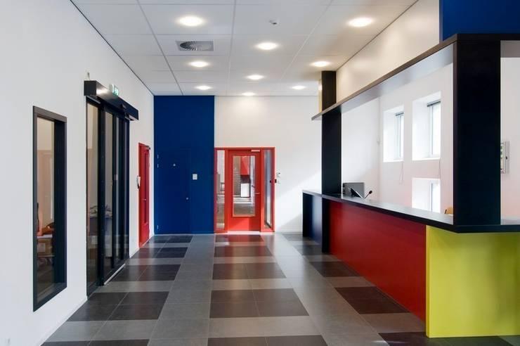 ROC Mondriaan Laak II:   door Liag Architecten en Bouwadviseurs