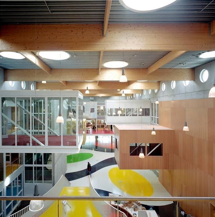 by Liag Architecten en Bouwadviseurs,