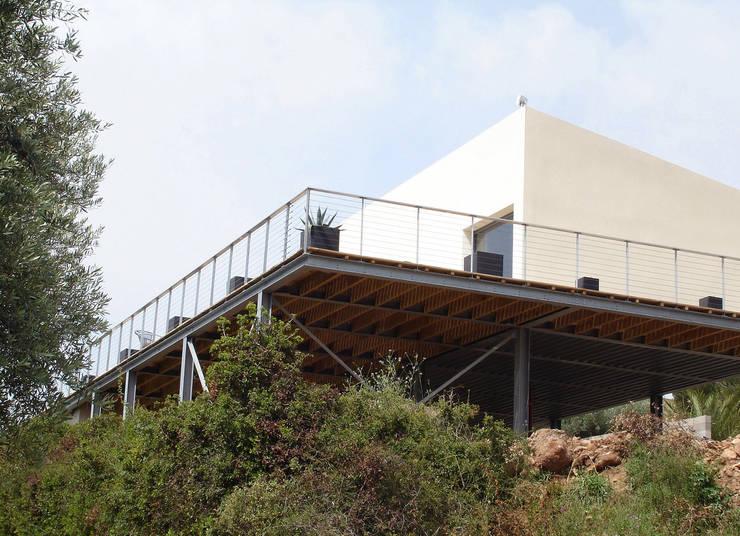 """La """"table à huitres"""" : Maisons de style  par Hamerman Rouby Architectes"""