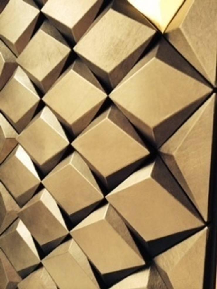 Decors Muraux CUIR: Murs de style  par christophe fey concept