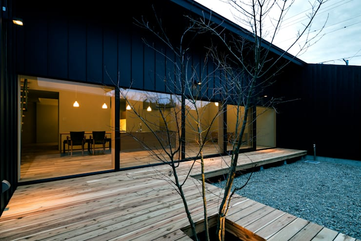 オオヤネコート: 有限会社TAO建築設計が手掛けたテラス・ベランダです。
