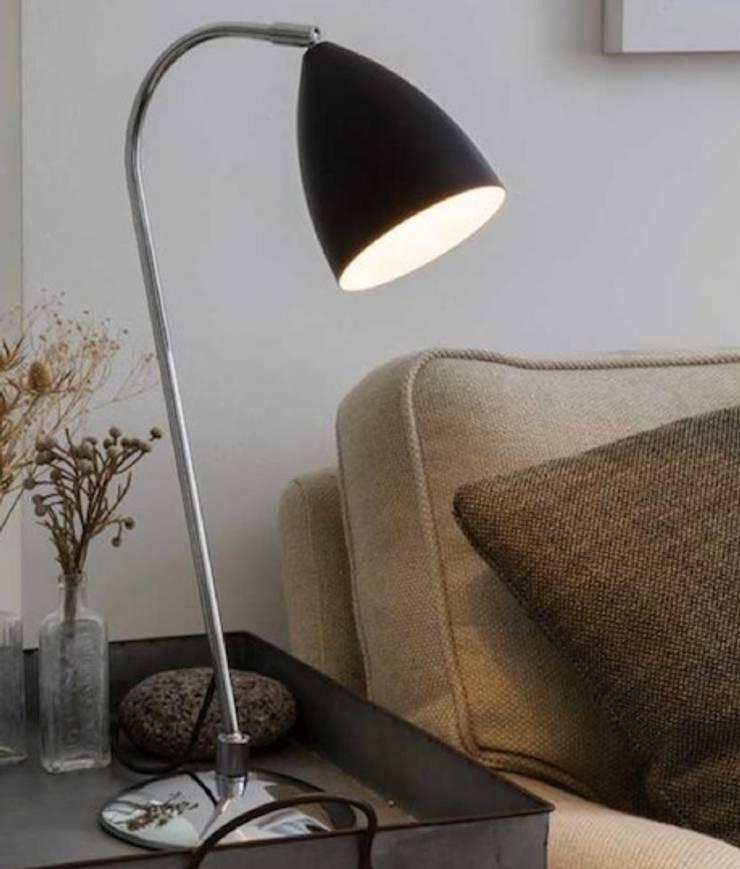 LISEUSE LED JOEL ASTRO LIGHTING: Maison de style  par Ledseco