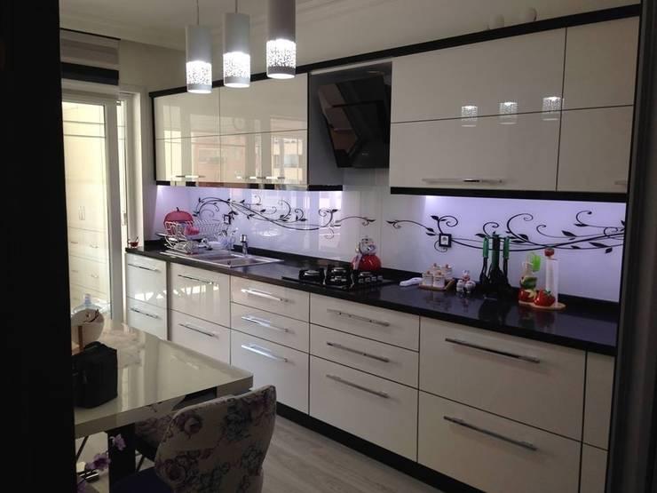 EDESSA TASARIM İÇ MİMARLIK VE DEKORASYON – kitchen design: modern tarz Mutfak
