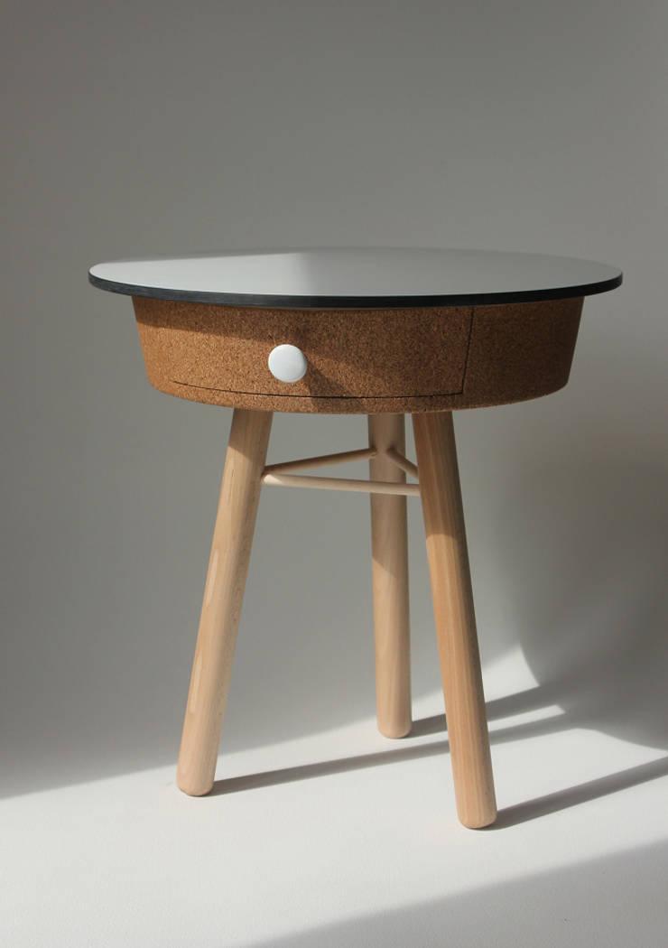 Table liège : Salon de style  par Quentin Mevel