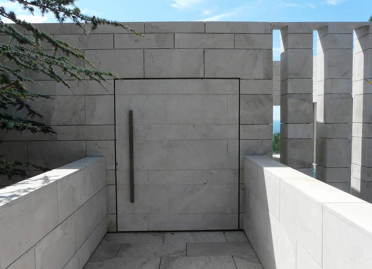 Corredores e halls de entrada  por Hamerman Rouby Architectes