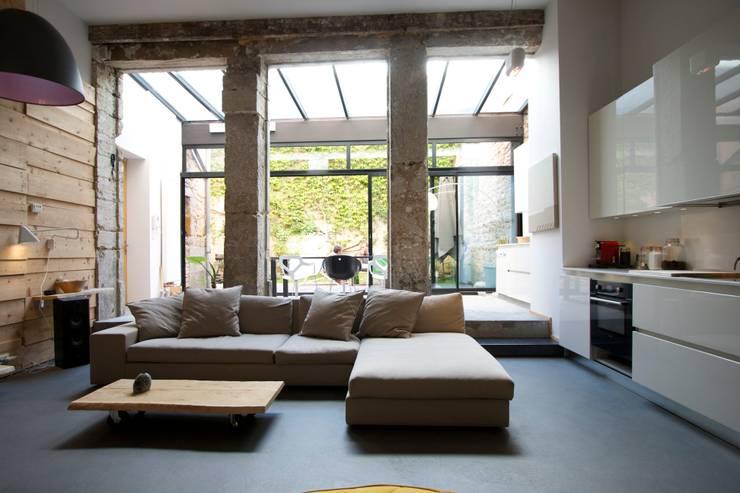 Wohnzimmer von New Home Agency