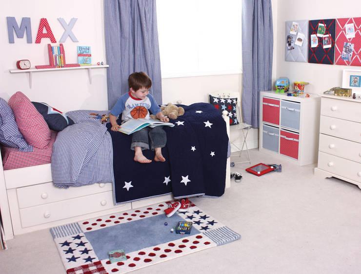 Single Quilt in Star Design:  Nursery/kid's room by Cuckooland