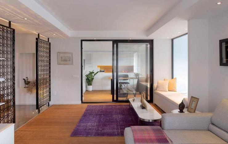HANDE KOKSAL INTERIORS – House E - E Evi:  tarz Pencere