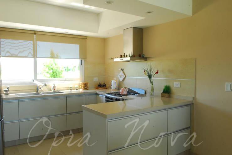 ห้องครัว by Opra Nova - Arquitectos - Buenos Aires - Zona Oeste