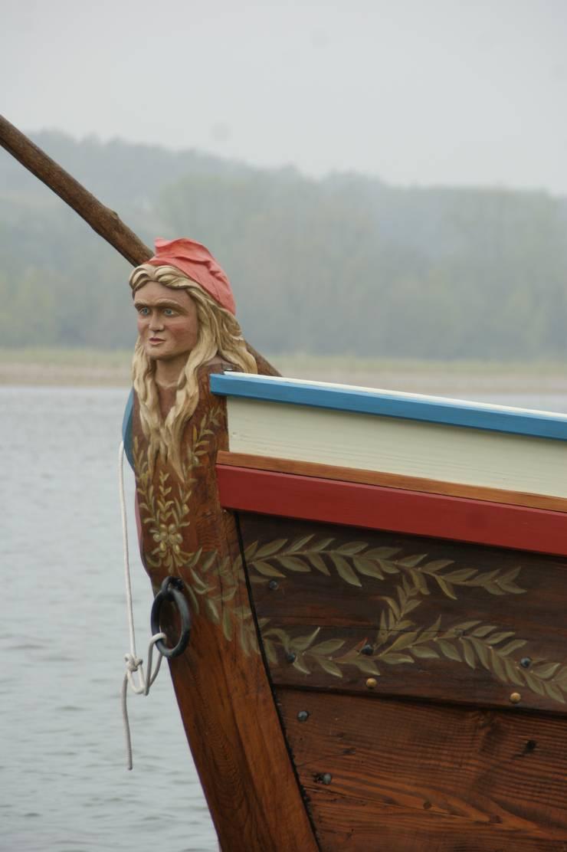 proue bateau de Loire: Art de style  par Dixneuf Sculpture 'Le Chant du Chêne'