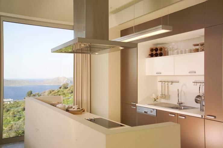 HANDE KOKSAL INTERIORS – House A1 - A1 Evi: modern tarz Mutfak