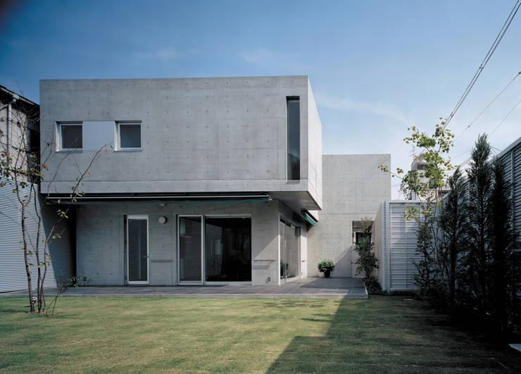 中庭と庭: atelier mが手掛けた庭です。